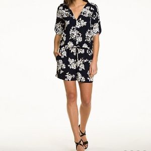 OBO👄Le chateau floral navy romper size medium